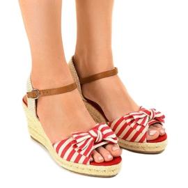 Czerwone sandały koturny z kokardką W032 1