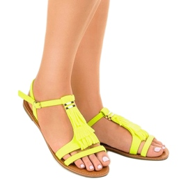 Żółte sandały płaskie z klamerką WL137-1 1