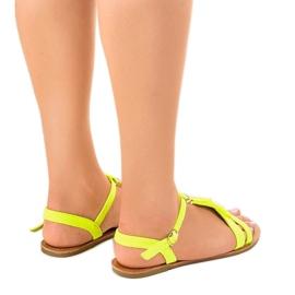 Żółte sandały płaskie z klamerką WL137-1 3