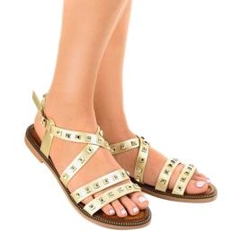 Złote sandały płaskie zdobione M-520 żółte 1