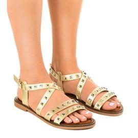 Złote sandały płaskie zdobione M-520 złoty 1