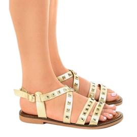 Złote sandały płaskie zdobione M-520 żółte 2