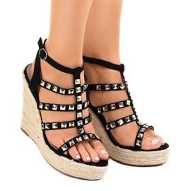 Czarne sandały na koturnie słomiane 9529 2