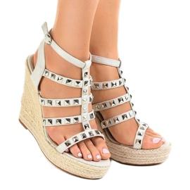 Szare sandały na koturnie słomiane 9529 1