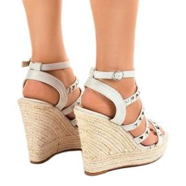 Szare sandały na koturnie słomiane 9529 3