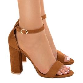Brązowe eleganckie sandały na słupku LA-106 2