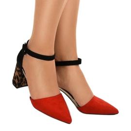 Czerwone sandały na słupku zamsz MM-621 1