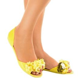 Żółte sandałki meliski z kwiatkami AE20 1