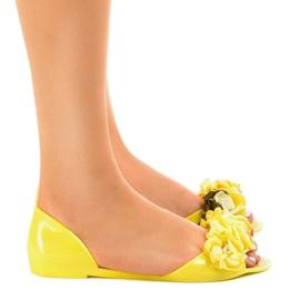 Żółte sandałki meliski z kwiatkami AE20 2