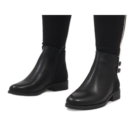 Ideal Shoes Czarne eleganckie botki C-7200 1