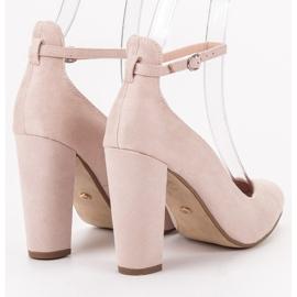 Ideal Shoes Czółenka Zapinane Sprzączką brązowe 2