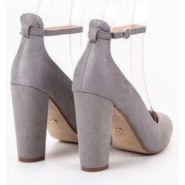Ideal Shoes Czółenka Zapinane Sprzączką szare 2