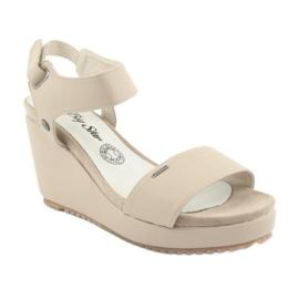 Sandały damskie na koturnie Big Star 274163 beżowy 1