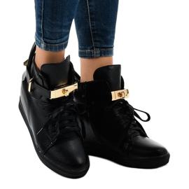 Czarne sneakersy na koturnie z klamrą H6600A 1