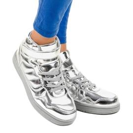 Srebrne Lakierowane Sneakersy XW7082 szare 1