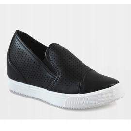 Czarne ażurowe sneakersy na koturnie DD441-1 1