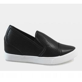 Czarne ażurowe sneakersy na koturnie DD441-1 3