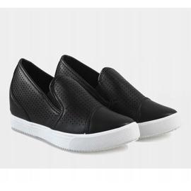 Czarne ażurowe sneakersy na koturnie DD441-1 4