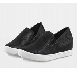 Czarne ażurowe sneakersy na koturnie DD441-1 5