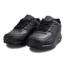 Czarne obuwie sportowe 2