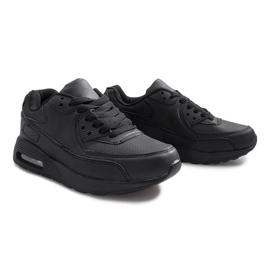 Czarne obuwie sportowe 3