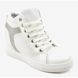 Białe buty sneakersy na koturnie z cekinami AN2959 1