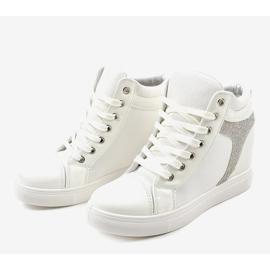 Białe buty sneakersy na koturnie z cekinami AN2959 3