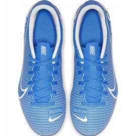 Buty piłkarskie Nike Mercurial Vapor 13 Club FG/MG Jr AT8161-414 niebieskie niebieskie 1