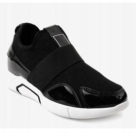 Czarne damskie obuwie sportowe X-9761 1