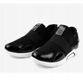 Czarne damskie obuwie sportowe X-9761 3