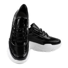Czarne obuwie sportowe z cekinami W-3118 3