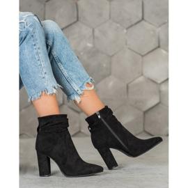 Ideal Shoes Zamszowe Botki Na Słupku czarne 1