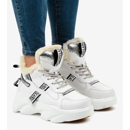 Białe damskie sneakersy ocieplane D80-31 1