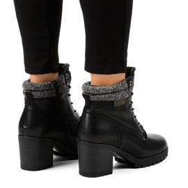 Czarne botki na słupku z kożuchem Z129 2