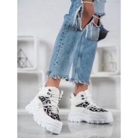 SHELOVET Sneakersy Leopard Print białe 1