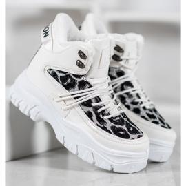 SHELOVET Sneakersy Leopard Print białe 3