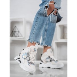 Bella Paris Sneakersy Z Efektem Holo białe wielokolorowe 1