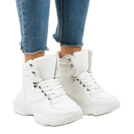 Białe damskie sneakersy ocieplane C-3132 1