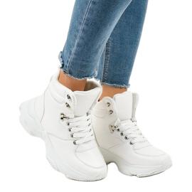 Białe damskie sneakersy ocieplane C-3132 2
