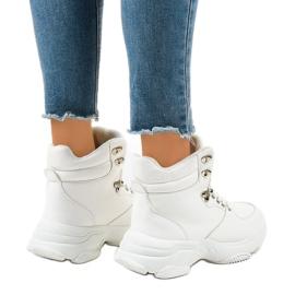 Białe damskie sneakersy ocieplane C-3132 3