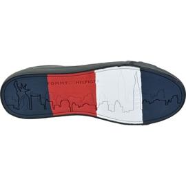 Buty Tommy Hilfiger Flag Detail Leather Sneaker M FM0FM02576 Bds czarne 3
