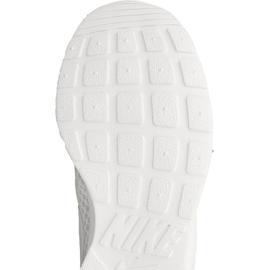 Buty Nike Sportswear Tanjun W 812655-110 białe 1