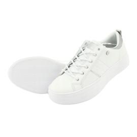Białe sportowe trampki American Club RH09 4
