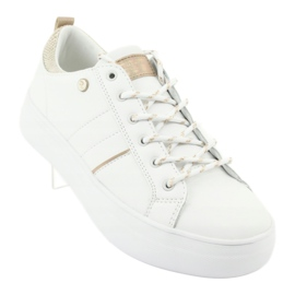 Białe sportowe trampki American Club RH09 2