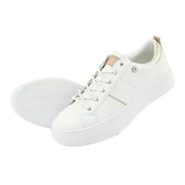 Białe sportowe trampki American Club RH09 5