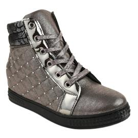 Szare lakierowane sneakersy na koturnie R468-3 1