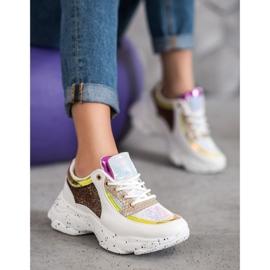 SHELOVET Sneakersy Z Cekinami Na Platformie 2