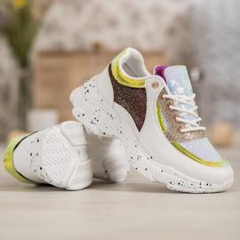 SHELOVET Sneakersy Z Cekinami Na Platformie 4