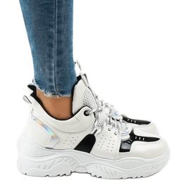 Białe sneakersy sportowe K-505 czarne 2
