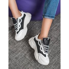 SHELOVET Sneakersy Na Platformie 4